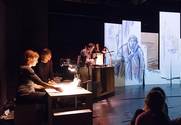 Stromer am Theater überzwerg / Foto: Uwe Bellhäuser